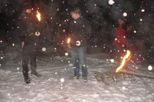 Fackeln im Schnee